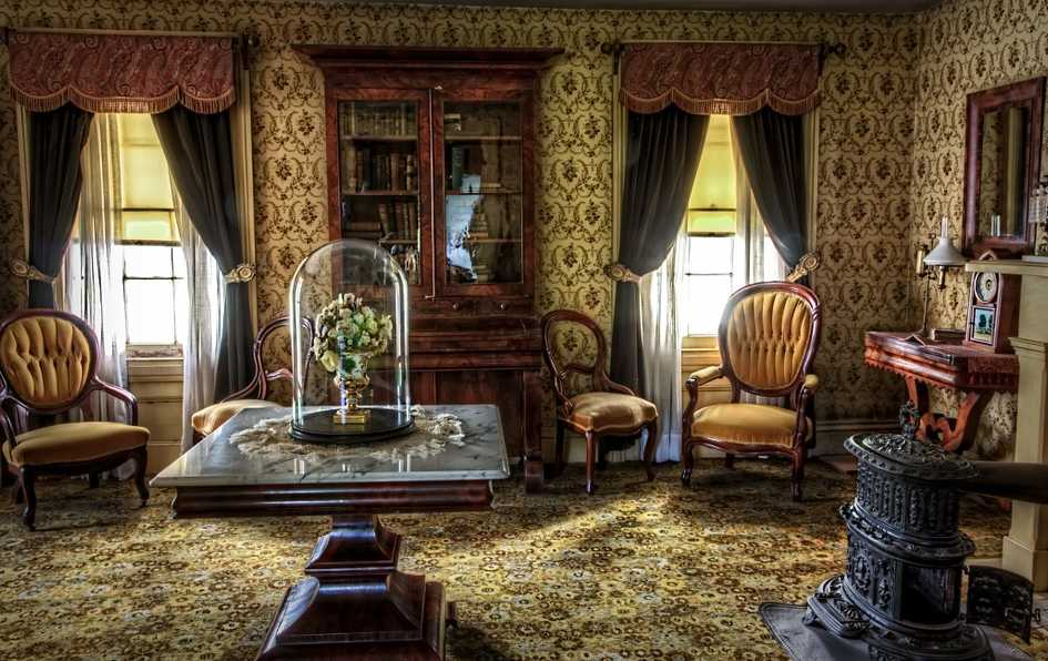 Romantické tapety na všech stěnách mohou být příliš i na vintage, pixabay.com