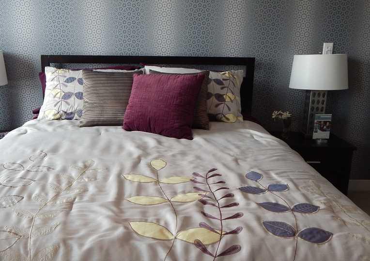 Zapuštěné postele jsou ideální do malých bytů, pixabay.com