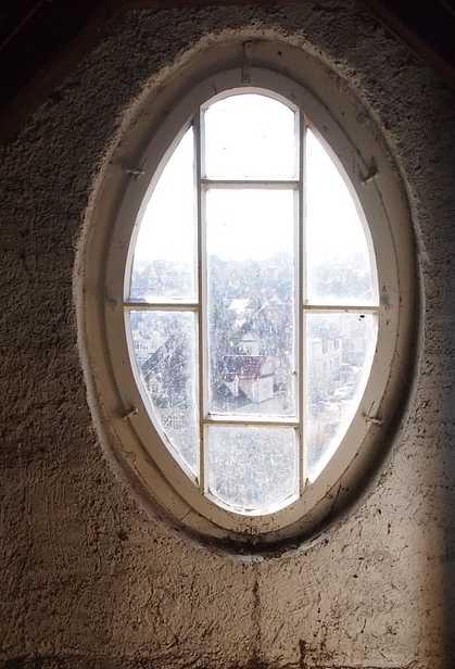 Okna by měla poskytovat dostatek světla, pixabay.com